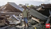 Parman (34) jadi salah satu warga yang selamat dari 'amukan' tanah di Kelurahan Petobo, Sigi, Sulawesi Tengahakibatgempa 7,4 SR pekan lalu. Dia selamat setelah berjuang lebih dari satu jam untuk keluar dari area likuifaksi atau penggemburan lapisan tanah pasir akibat guncangan gempa. (CNN Indonesia/Adhi Wicaksono)