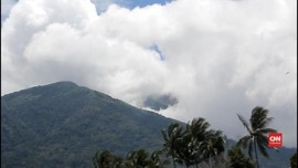 VIDEO: Gunung Gamalama Erupsi, Warga Diminta Tetap Tenang
