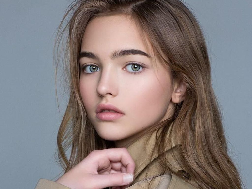 Jatuh Hati! Pesona Model 14 Tahun, Masuk Daftar Wanita Tercantik di Dunia