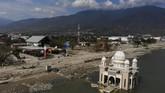 Terletak di Kelurahan Lere, Kecamatan Palu Barat, dekat Pantai Talise, Masjid Arkham Babu Rahman dibangun tahun 2011 oleh Muhammad Hasan Bajamal. (AFP PHOTO/Jewel Samad)