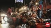 Pelaku industri makanan dan minuman memproyeksi terjadi kenaikan harga sekitar lima persen pada tahun depan, sebagai konsekuensi dari melemahnya rupiah terhadap dolar AS dan kenaikan suku bunga acuan Bank Indonesia (BI).(CNN Indonesia/Bisma Septalisma).