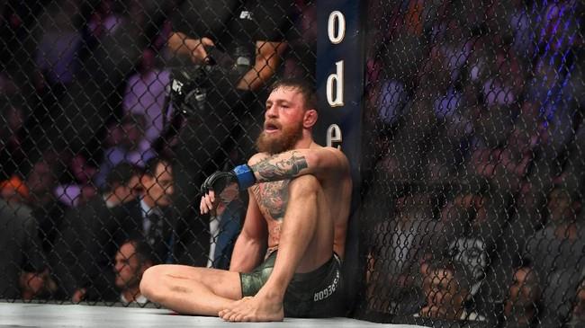 Kekalahan dari Khabib Nurmagomedov merupakan yang keempat dalam karier pertarungan Conor McGregor di UFC. Sebelumnya McGregor pernah kalah dari Nate Diaz pada 2016, Joseph Duffy pada 2010, dan Artemij Sitenkov pada 2008. (Harry How/Getty Images/AFP)