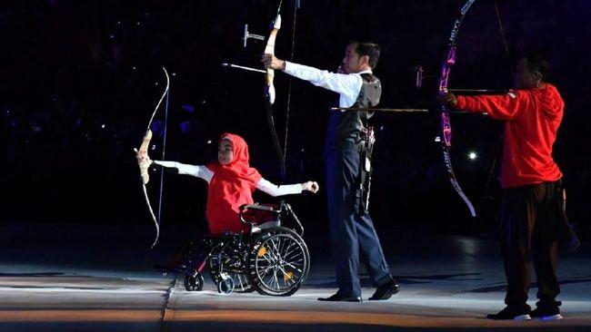 Memanah Bak Arjuna, Gaya Jokowi di Opening Asian Para Games