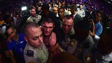 De La Hoya: Khabib Bisa Taklukkan Mayweather dalam 30 Detik