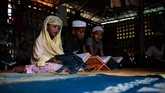 Di madrasah ini anak-anak itu diajari pelajaran dari Al-Quran untuk memenuhi harapan orang tua mereka agar menjadi orang yang lebih baik (AFP PHOTO / CHANDAN KHANNA)