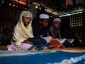 FOTO: Madrasah, Pelipur Anak-anak Rohingya di Pengungsian