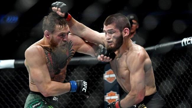 Conor McGregor tercatat sebagai penantang bagi Khabib Nurmagomedov yang sebelumnya meraih gelar juara kelas ringan UFC pada 7 April 2018 setelah mengalahkan Al Iaquinta. (Stephen R. Sylvanie-USA TODAY Sports)