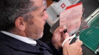 'Paspor' Swiss Dijual Seharga Rp349 ribu