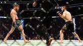 Pertarungan UFC 229 antara Khabib Nurmagomedov dan Conor McGregor menjadi salah satu duel yang menyita perhatian khalayak. (Harry How/Getty Images/AFP)