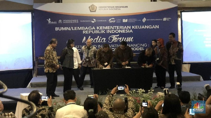 Rama-ramai Teken Perjanjian Proyek Infrastruktur di Bali