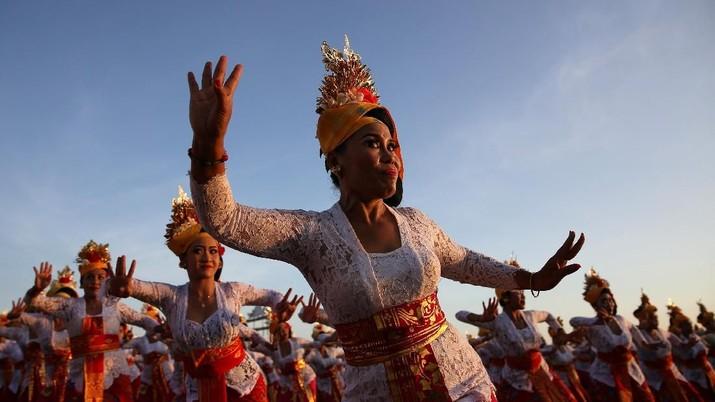 Laporan pembatalan turis ke Bali pindah ke Thailand jadi perhatian serius pengusaha hotel.