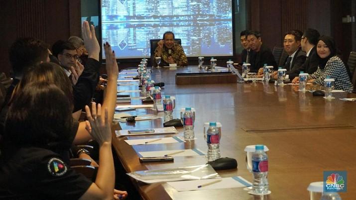 Pertemuan tersebut untuk menjalim kerjasama antara Transmedia dengan perusahaan hiburan terbesar di Korea Selatan tersebut.