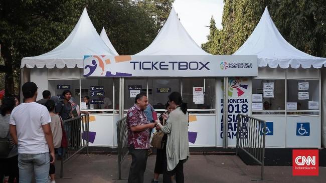 Loket tiket juga terlihat tanpa antrean calon penonton, padahal harga tiket untuk melihat pertandingan Asian Paragames 2018 terbilang terjangkau dengan kisaran harga Rp25 ribu - Rp100 ribu. Jakarta. (CNN Indonesia/Andry Novelino)