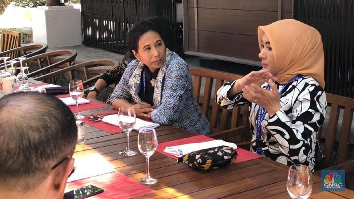 Menteri Rini Konversi 2 Kilang Tua BBM untuk Program B100