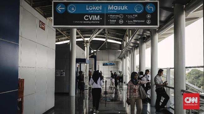 DDT membentang sepanjang 35 kilometer antara Manggarai-Cikarang dab akan memisahkan jalur commuter line dengan kereta jarak jauh yang direncanakan beroperasi pada 2020. (CNN Indonesia/Adhi Wicaksono)