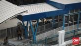 Calon penumpang mulai mengikuti uji coba fasilitas baru Stasiun Cakung, Jakarta, Selasa, 9 Oktober 2018. (CNN Indonesia/Adhi Wicaksono)