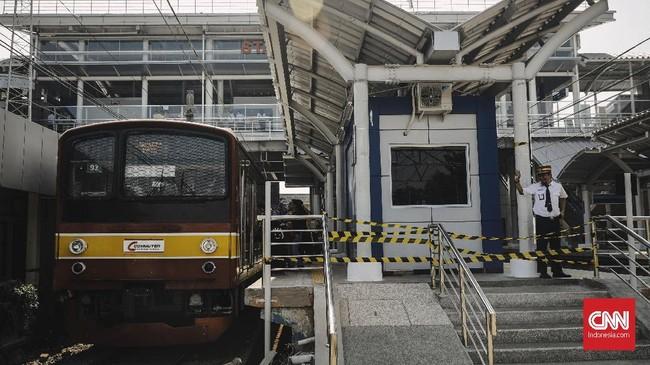 Pihak PT Kereta Commuter Indonesia mengumumkan proyek modernisasi bangunan Stasiun Cakung, telah selesai dan mulai memasuki masa uji coba. (CNN Indonesia/Adhi Wicaksono)