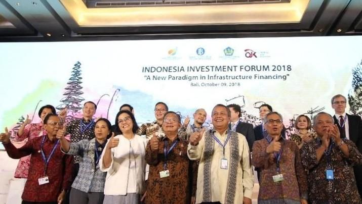 Otoritas Jasa Keuangan (OJK) berkolaborasi dengan pemerintah dan Bank Indonesia untuk menghadapi tekanan ekonomi global.