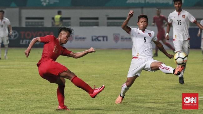 Tidak ada gol tambahan yang dicetak Timnas Indonesia namun mereka juga mampu menahan Myanmar. Skor 3-0 bertahan hingga akhir laga. (CNN Indonesia/Andry Novelino)