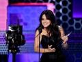 Camila Cabello Raih Piala Pertama American Music Awards