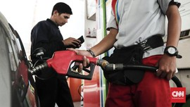 Uang Venezuela Sulit Ditemukan, Warga Beli BBM dengan Rokok