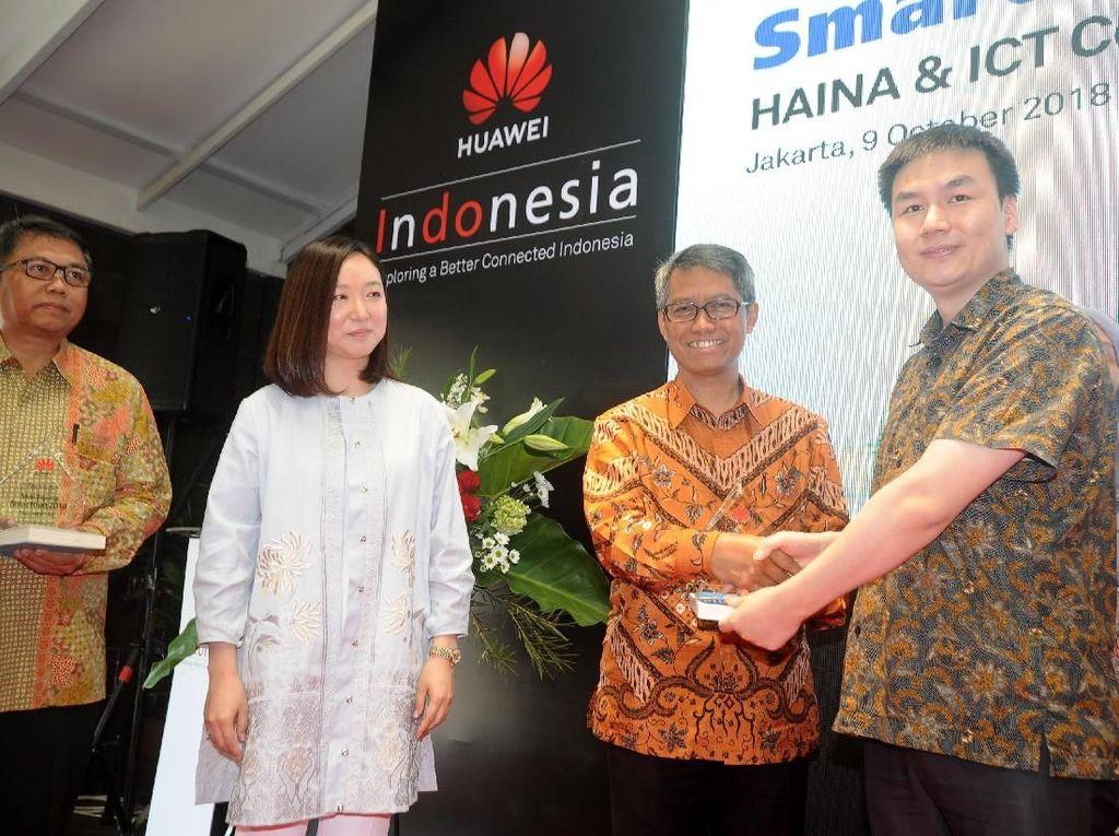 Kerjasama dilakukan dengan beberapa perguruan tinggi ternama di Indonesia, mulai dari ITB, Undip, Unpad, UI, UGM, ITS, UMN dan Telkom University. Foto: dok. Huawei