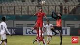 Setelah unggul tiga gol di babak pertama, Timnas Indonesia mendapatkan perlawanan lebih sengit dari Myanmar di babak kedua. (CNN Indonesia/Andry Novelino)