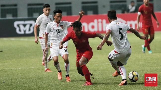 Timnas Indonesia tidak didampingi Luis Milla di laga ini. Luis Milla masih ada di Eropa untuk keperluan lisensi pro UEFA. (CNN Indonesia/Andry Novelino)