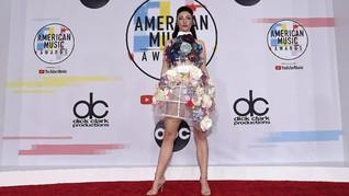 FOTO: Busana Terburuk Selebriti di American Music Awards 2018
