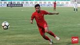 Timnas Indonesia sempat tertinggal 0-1 dari Arab Saudi pada menit ke-37. Enam menit berselang aksi Saddil Ramdani membuat skor imbang 1-1. (CNN Indonesia/Andry Novelino)