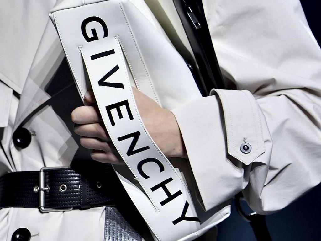 10 Tas dari Pekan Mode Dunia yang Wajib Kamu Miliki di 2019