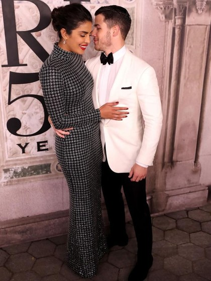 Kode Priyanka Chopra untuk Dapat Cincin Tunangan Impian dari Nick Jonas