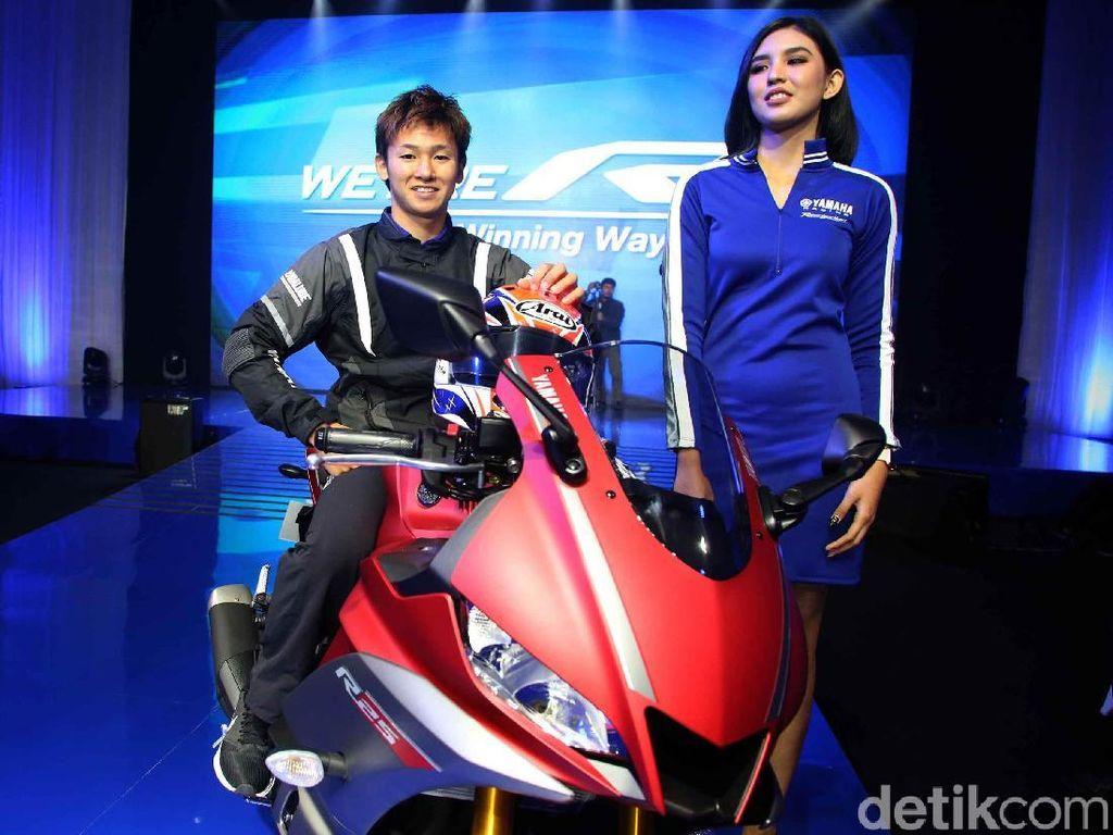 Yamaha Indonesia membanderol R25 terbaru dengan harga mulai Rp 58,6 juta. Harga itu berlaku untuk R25 tipe standar.