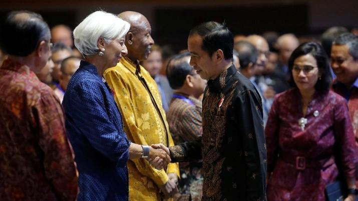 Jokowi bicara mengenai kebahagiaan seseorang, yang memang direfleksikan dari arti dan makna Tri Hita Karana.
