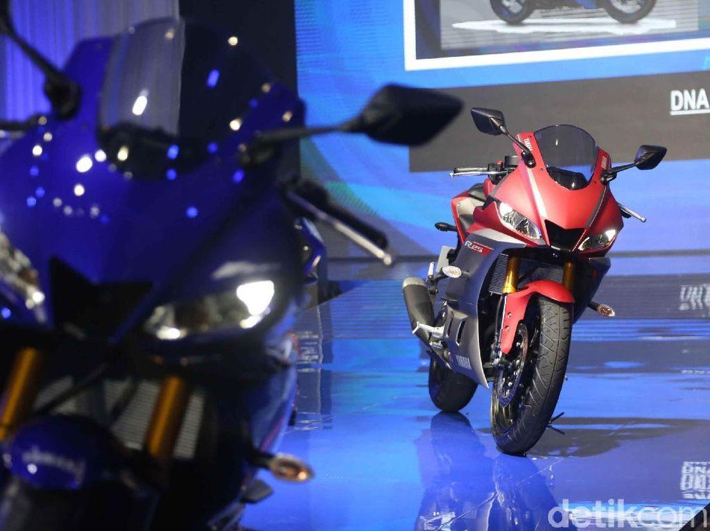 Terinspirasi dari YZR-M1, desain body Yamaha R25 generasi terbaru memiliki aerodinamis tinggi yang dapat meningkatkan performa berkendara.
