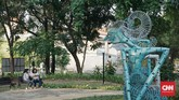 Di antaranya Panggung Budaya yang dibangun dengan dua sisi yang dapat digunakan, sisi satu menghadap SMA Negeri 1 Semarang yang dapat digunakan untuk pementasan dengan kapasitas hingga 200 orang. Sisi lainnya menghadap kantor gubernur dan dapat menampung hingga 800 orang. (CNN Indonesia/Agniya Khoiri)