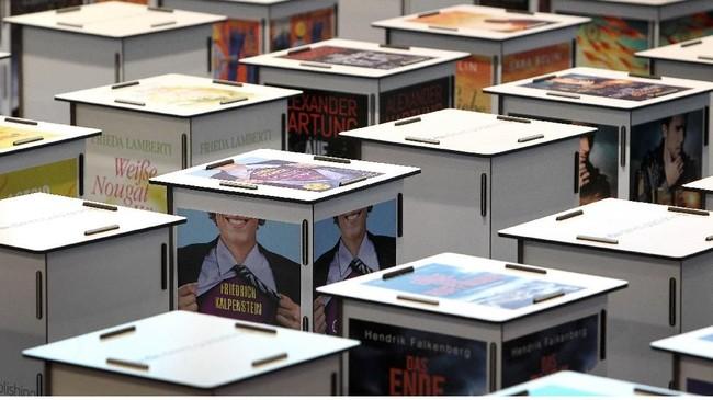 Sejak 1976, acara pesta bagi pencinta buku ini menunjuk sebuah negara setiap tahunnya untuk menjadi tamu kehormatan dan memiliki peluang memamerkan kebudayaannya di Frankfurt Book Fair. (Daniel ROLAND / AFP)