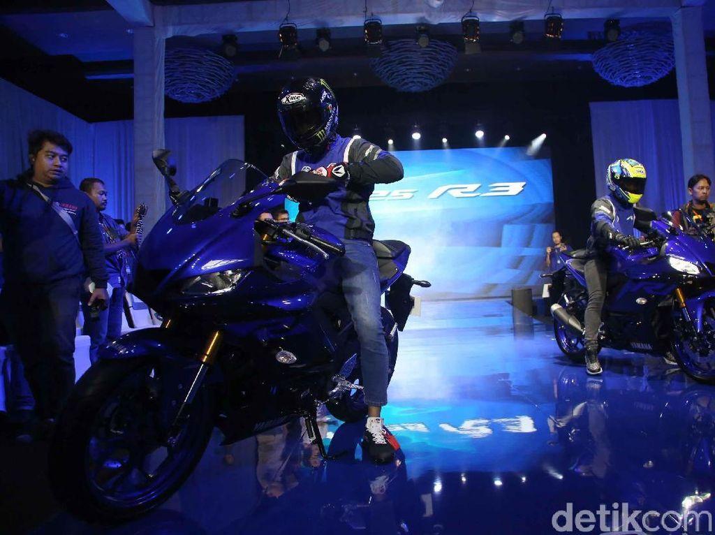 Yamaha R3 dengan mesin 300 cc dijual di beberapa negara seperti di Eropa.