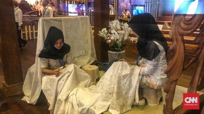 Indonesia Pavilion Goods On Sale Amounts to 8 Billion Rupiah