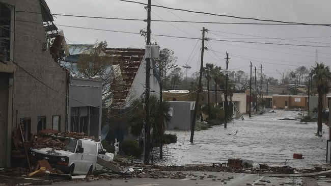 Kemungkinan besar aliran listrik di daerah yang terkena dampak badai juga akan terputus. (Joe Raedle/Getty Images/AFP)