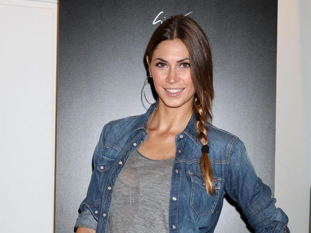 Ini Melissa, Model Seksi Istri Pemain Bola yang Punya Banyak Skandal