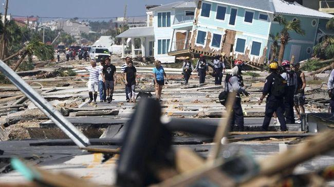 Badai Michael Diduga Tewaskan 30 Orang di AS