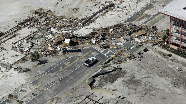 Terjebak Badai Michael, Suami-Istri Selamat Berkat Peta Udara
