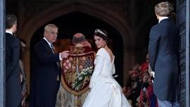 Puteri Eugenie Pakai Gaun Pengantin Peter Pilotto