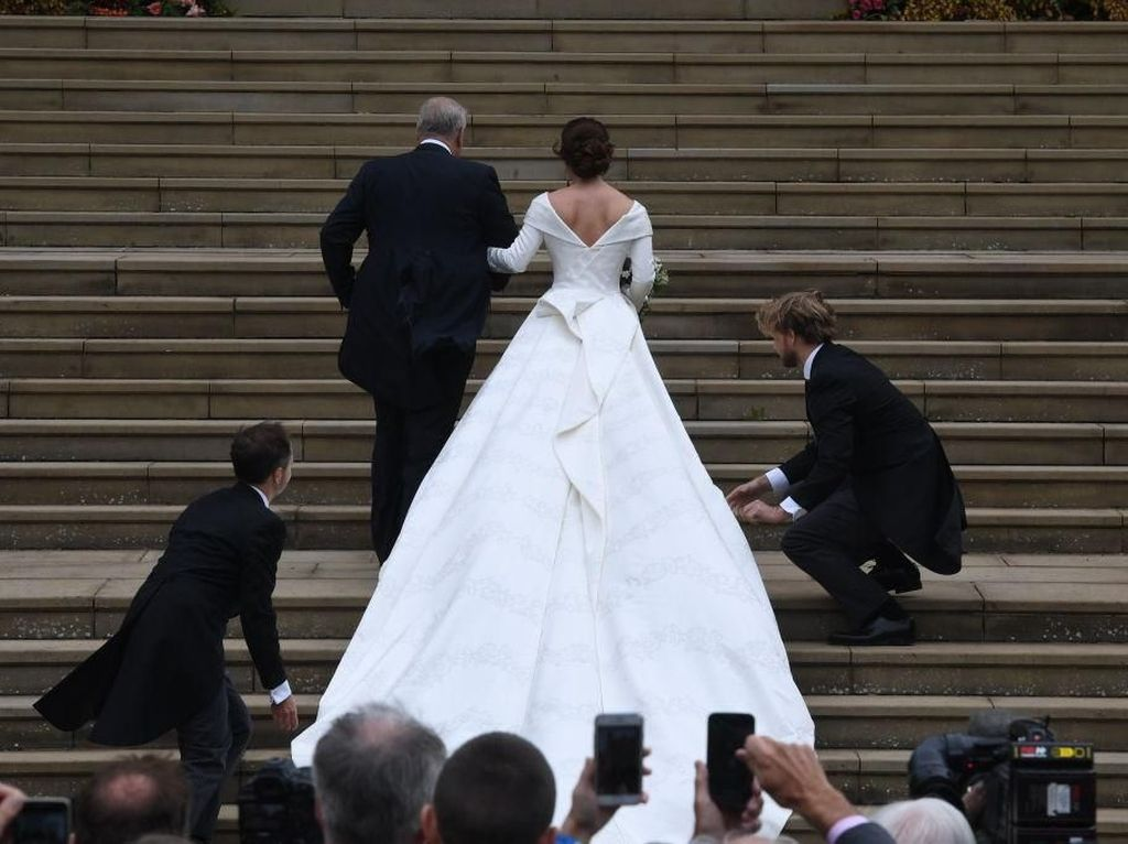 Putri Eugenie Menikah, Begini Penampilan Cantiknya yang Bikin Pangling