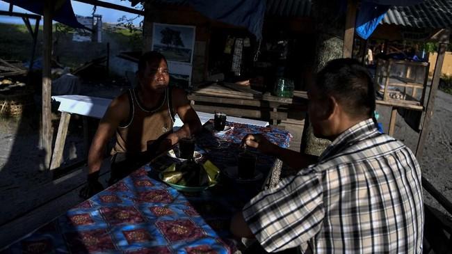 Penduduk Barus yang bermukim di kawasan pesisir mayoritas memeluk agama Islam. (ANTARA FOTO/Sigid Kurniawan).