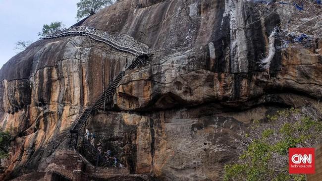 Sigiriya dikembangkan di masa Raja Kasyapa berkuasa (477-495 Masehi). (CNN Indonesia/Safir Makki)