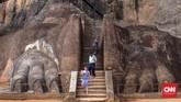 Sigiriya merupakansitus purbakala yang didominasi oleh sebuah batu karang besar yang menjulang setinggi 200 meter dikelilingi oleh tiga tipe taman. (CNN Indonesia/Safir Makki)