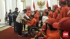 Jokowi Serahkan Bonus Atlet Peraih Medali Asian Para Games