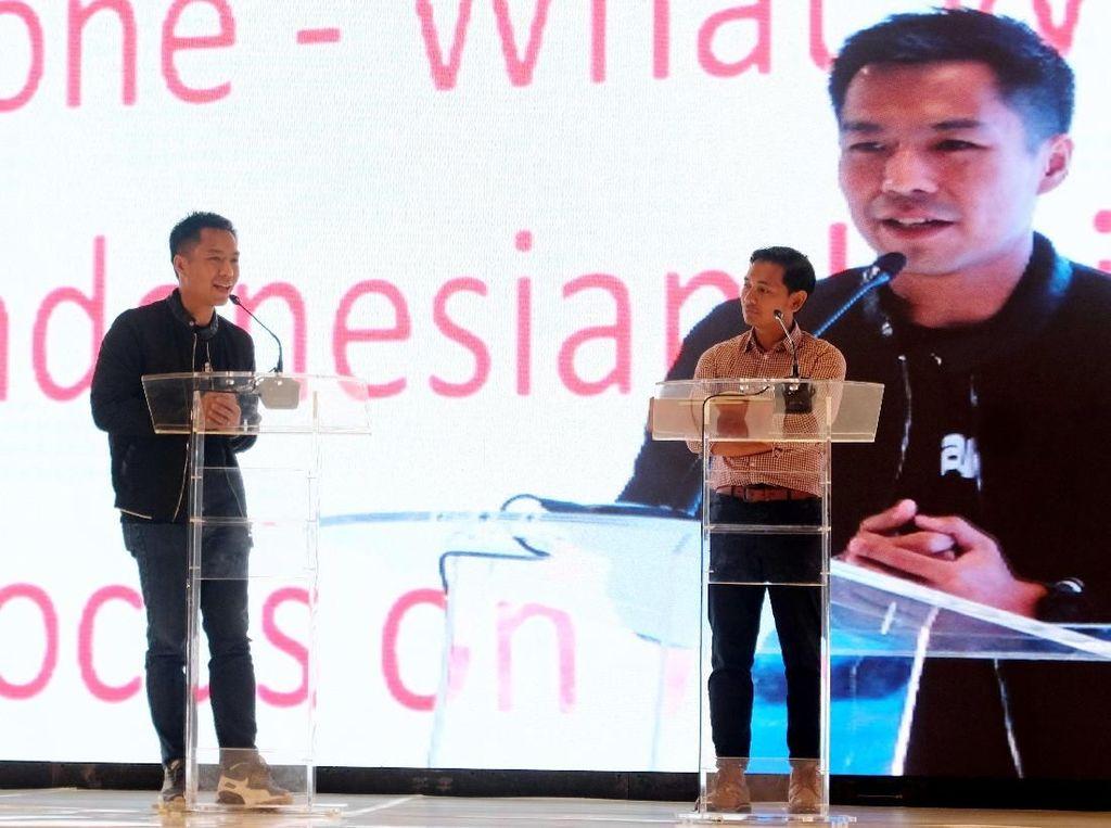 Mitra Bukalapak tidak hanya menjual produk retail tetapi juga menjual produk virtual seperti pulsa telepon, pulsa listrik, pemesanan tiket bus dan pesawat. Saat ini sudah bergabung lebih dari 300.000 Mitra Bukalapak di 400 kota di Indonesia. Foto: dok. Bukalapak
